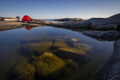 Sea kayakers having breakfast at Håkanskär