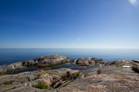 The horizon seen over the bay on the north side of Tjärven.