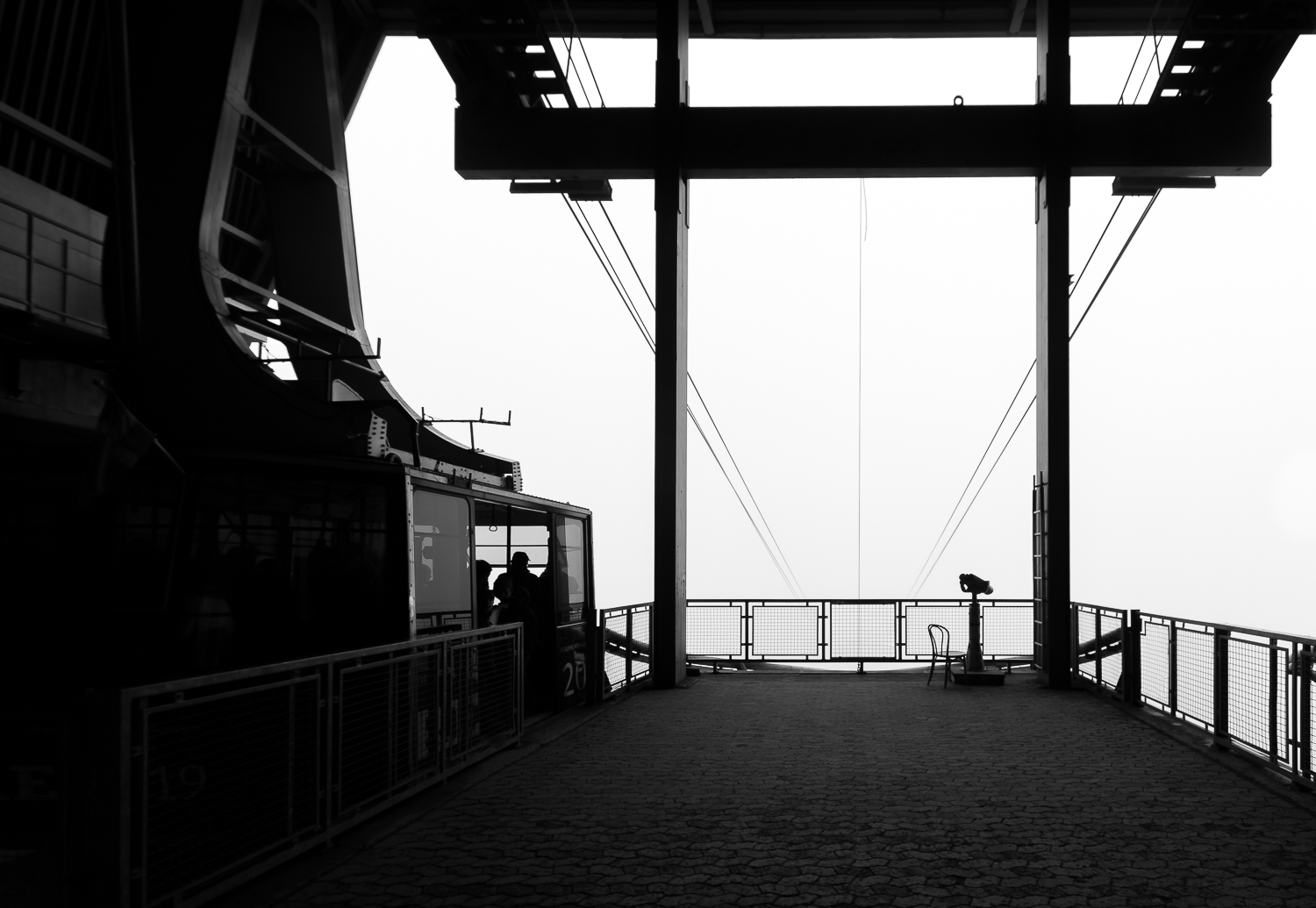 copyright goran pehrson-cableway-cable car-are-monochrome