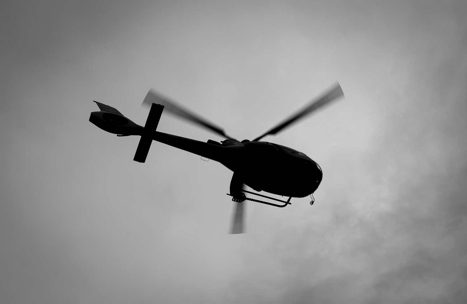 helicopter-heli-monochrome-black and white