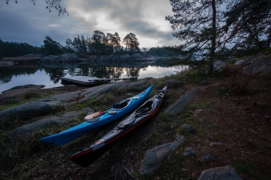 Kajaker vid kanotbryggan i Stendörrens naturreservat