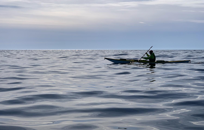 Kajakpaddling längs Höga kusten